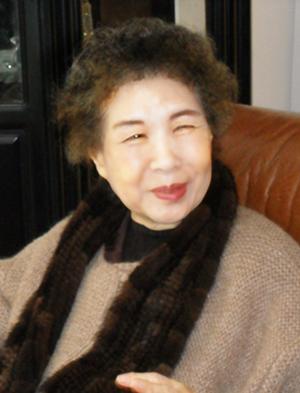 김남조선생님 사진.png